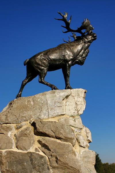 caribou statue france