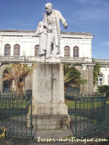 monument de fort de france
