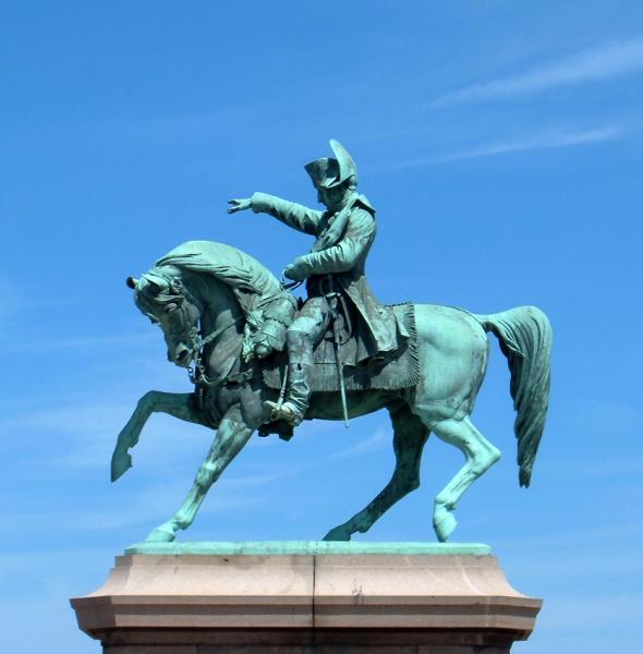 napoleon statue france