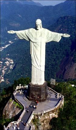 statue brésil france
