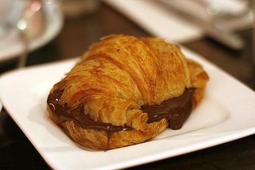 croissant au nutella