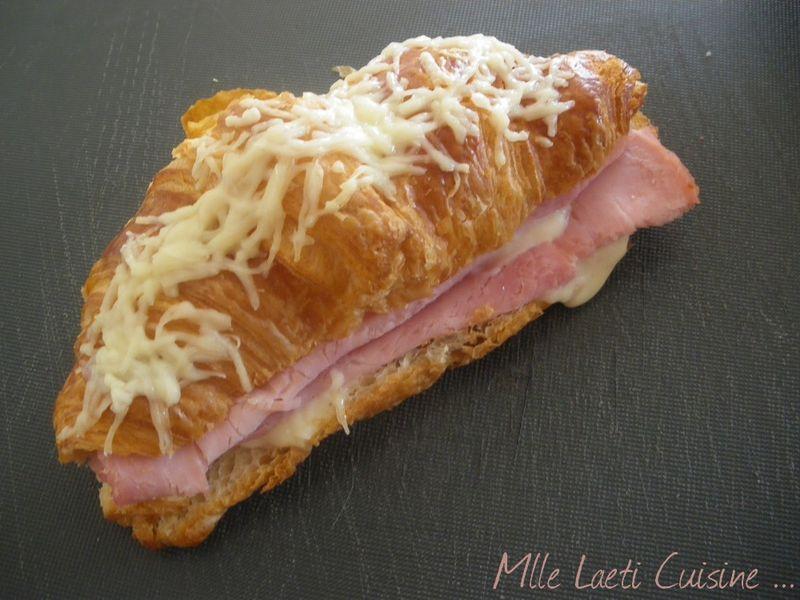 croissant bechamel