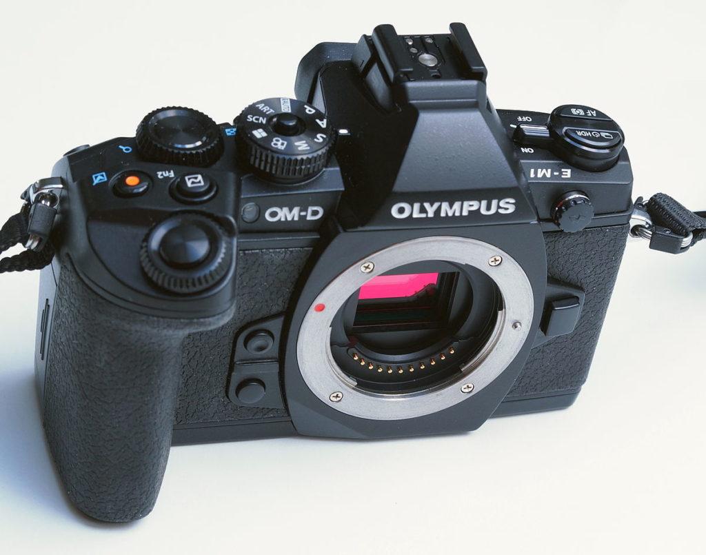 olympus em-1