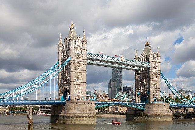 how long is tower bridge